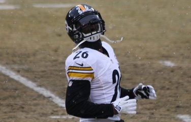 Steelers May Not Be Done With Le'Veon Bell Just Yet; Considering Transition Tag