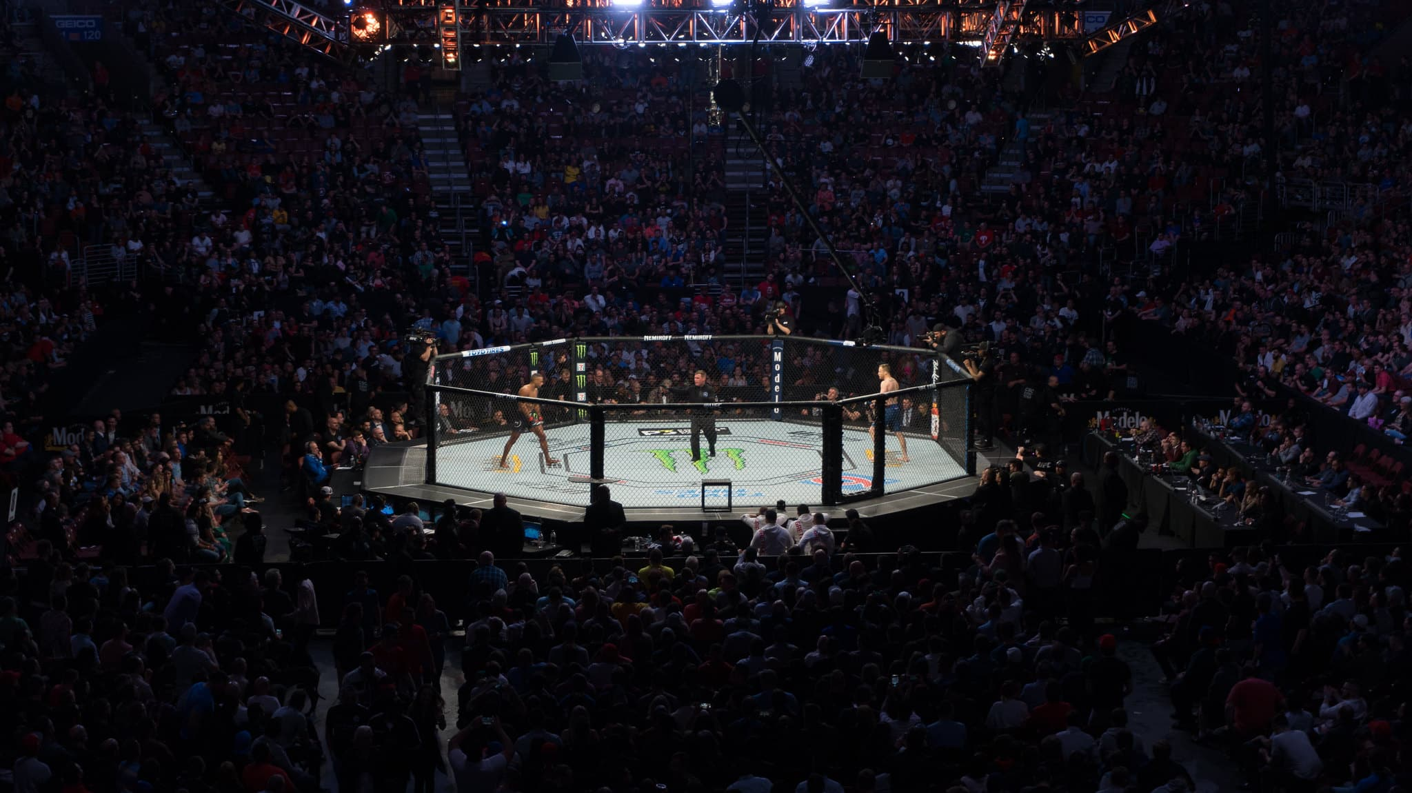 UFC: Jairzinho Rozenstruik vs. Ciryl Gane Preview, Odds and Pick