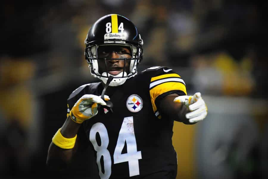 Antonio Brown Comes Back, Reaches One-Year Deal With Tampa Bay Buccaneers